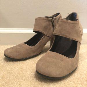 Aerosoles Vintage look heels